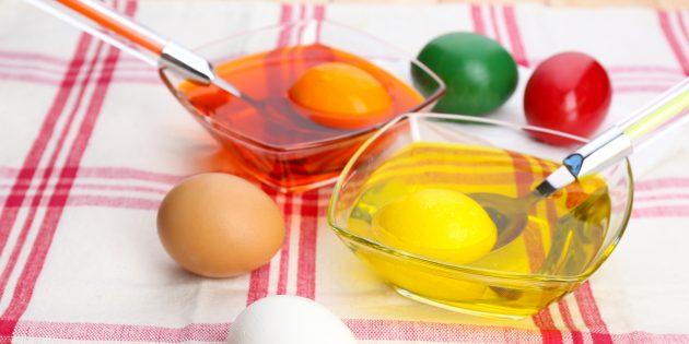 Покрасить яйца: Окрашивание пищевыми красителями