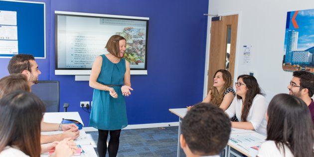 В школах английского языка Kaplan обучение проходит в атмосфере полного погружения в среду