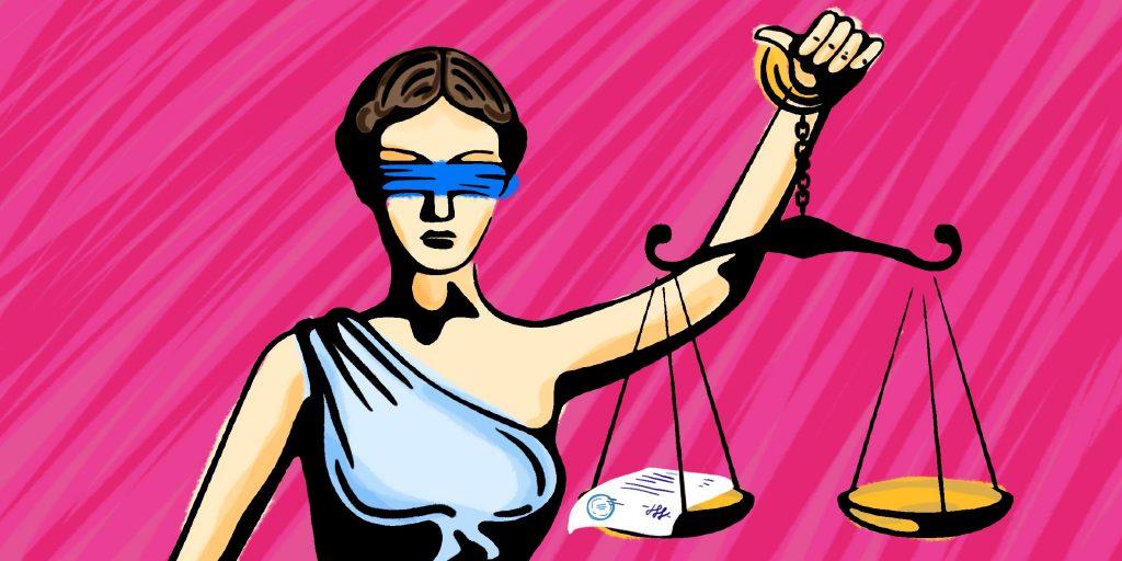 Куда сдают документы в суде