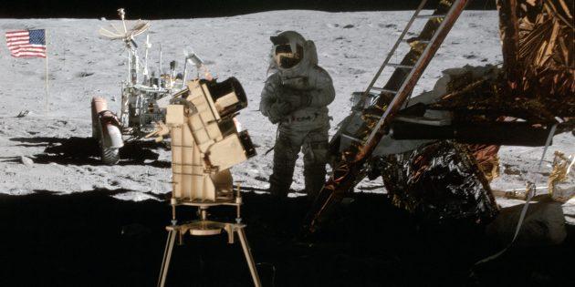 Полёты на Луну до сих пор у многих вызывают сомнения: на фотографиях не видно звёзд