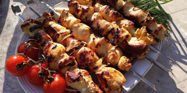 Как приготовить шашлык из курицы: кефирный маринад