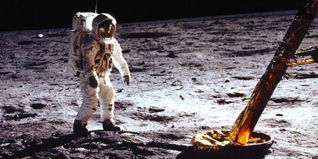 Полёты на Луну до сих пор у многих вызывают сомнения: на снимках с Луны тени располагаются неправильно
