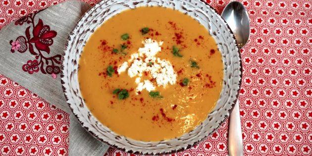 Суп-пюре из чечевицы с фетой