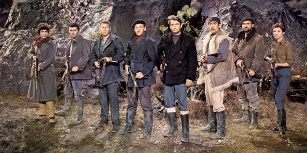 Джордж Лукас: Финальная часть трилогии снова отсылала к классике, напоминая темой, костюмами героев и декорациями фильм «Пушки острова Наварон» 1961года