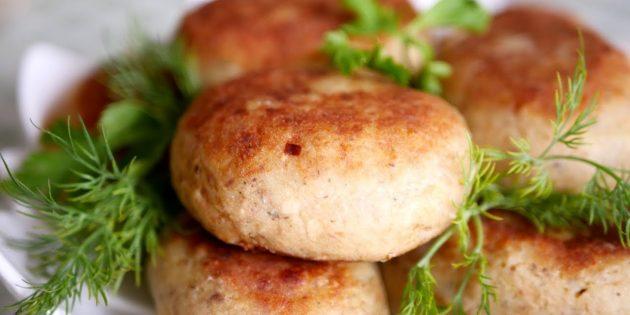 Как сделать картофельные котлеты с рыбными консервами