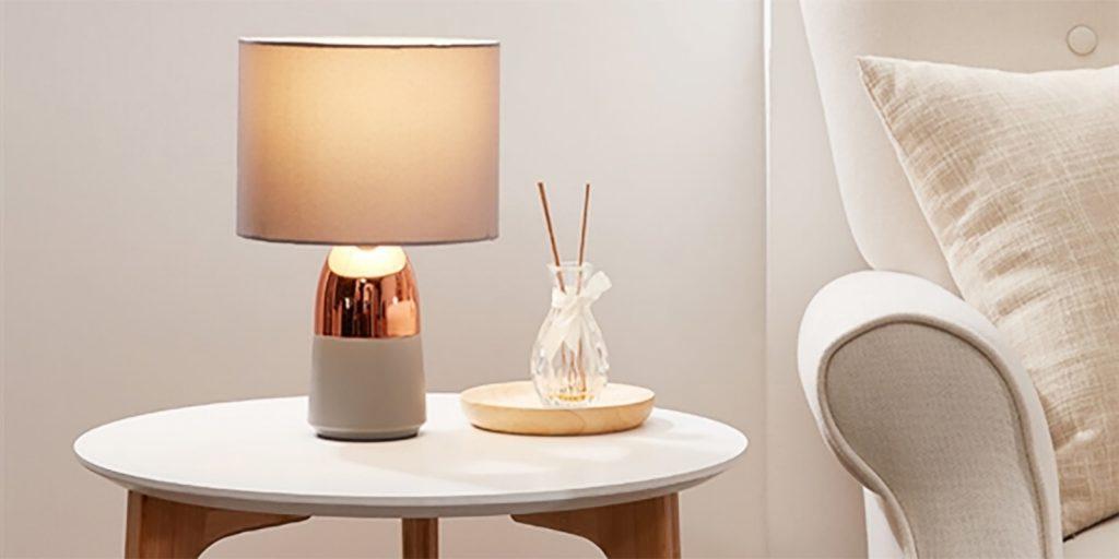 Xiaomi представила стильную и недорогую настольную лампу с датчиком прикосновения