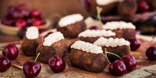 Рецепт: пирожное «картошка» с вишней