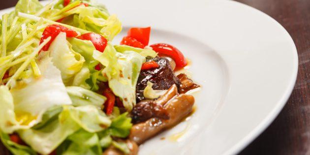 Как приготовить салат с говядиной и шампиньонами