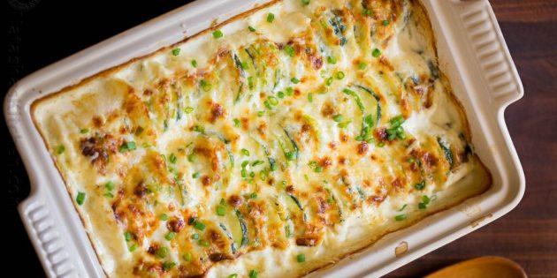 Запеканка из кабачков и картошки в сливочно-сырной заливке