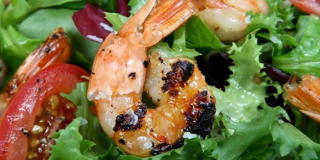 Как приготовить креветки: салат с креветками, фасолью и итальянскими травами