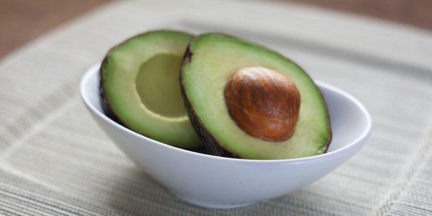 самые полезные фрукты и ягоды: авокадо