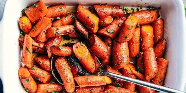 Овощи в духовке: морковь с мёдом и чесноком