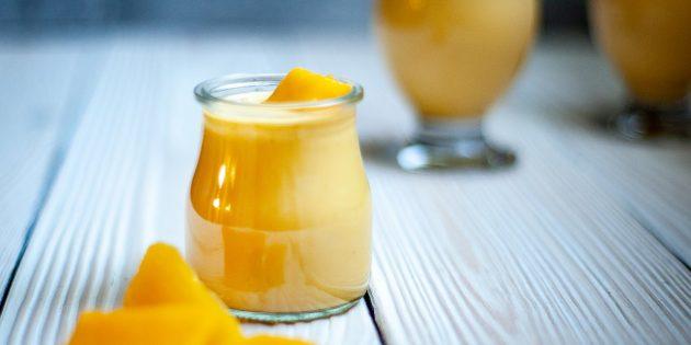 Смузи с манго и йогуртом