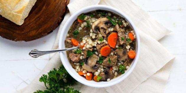 Суп из шампиньонов с говядиной и перловкой