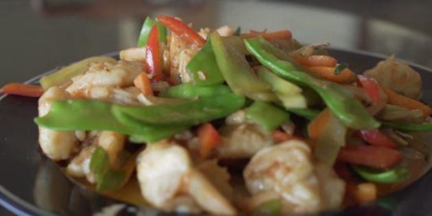 Как приготовить креветки: овощи по-китайски с креветками