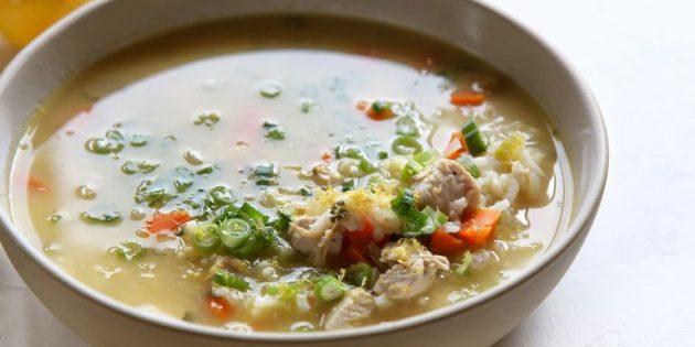 Куриный суп с лимоном и рисом