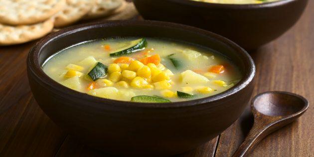 Густой суп из кабачков с кукурузой и сливками