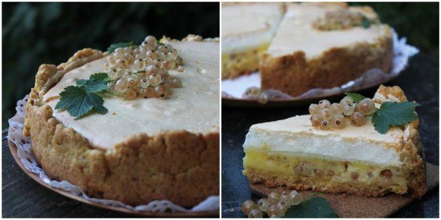 Пирог с белой смородиной, сметанной прослойкой и безе
