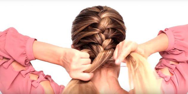 Продолжайте плести таким образом, пока все волосы не окажутся в колоске
