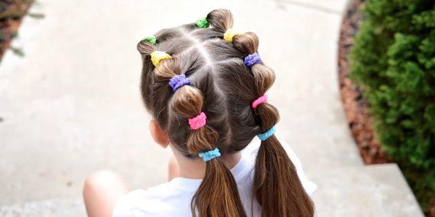 Причёски для девочек: низкие хвостики с резинками