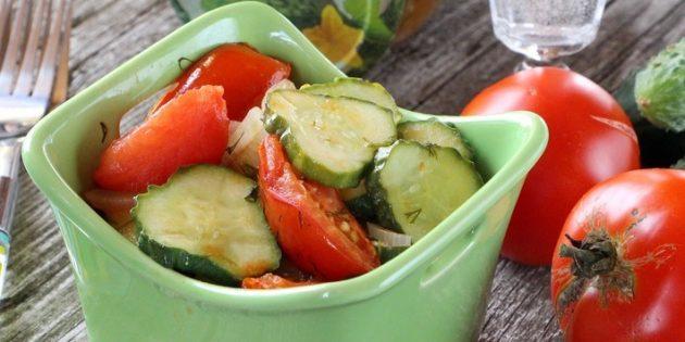 Салат из огурцов на зиму с помидорами, луком и укропом