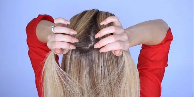 Возьмите сверху в центре часть волос и разделите пополам