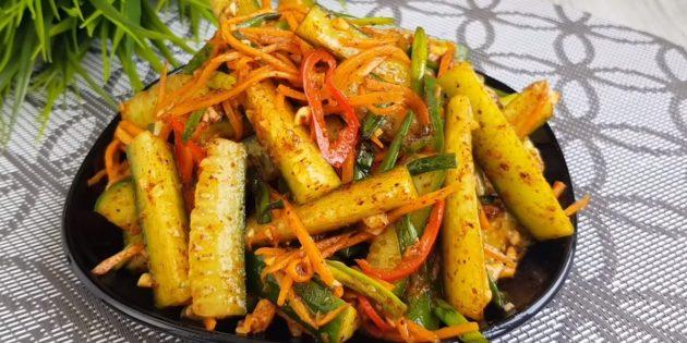Рецепт огурцов по-корейски с морковью