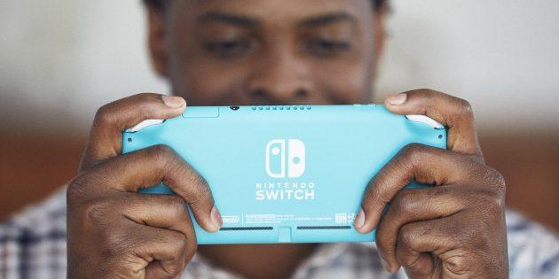 Nintendo Switch Lite сзади