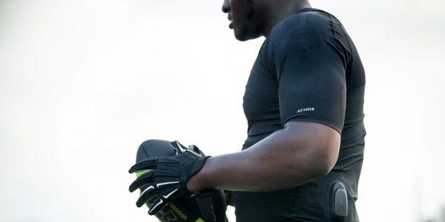 Умные шорты и футболки Athos позволяют узнать, какие мышцы задействует спортсмен во время упражнений