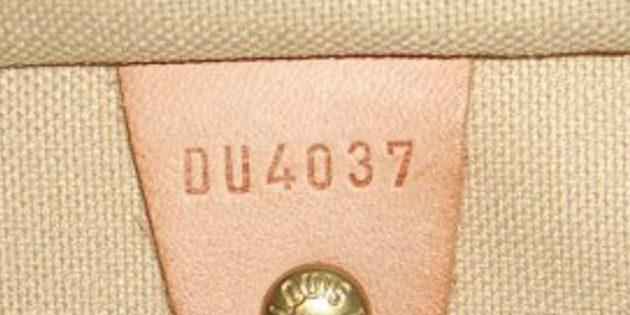Оригинал и подделки сумок Louis Vuitton: внутри должен быть выбит серийный номер
