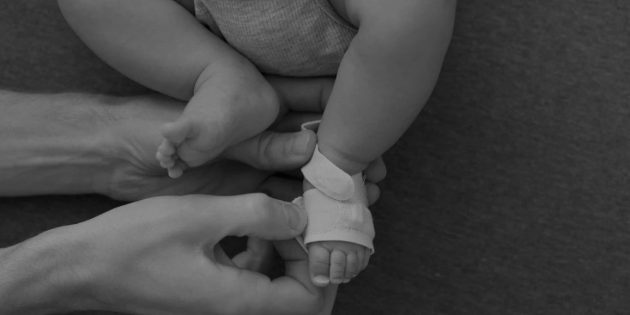 Умная одежда: носки Owlet Smart Socks для младенцев
