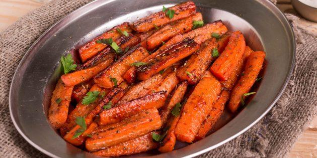 Как приготовить запечённые овощи в духовке: морковь с мёдом и чесноком