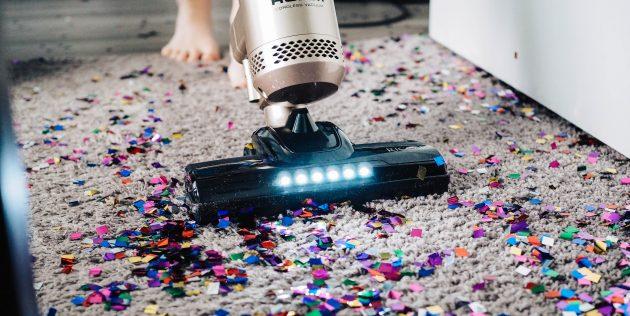 Как нельзя использовать бытовой пылесос: не тяните за шнур