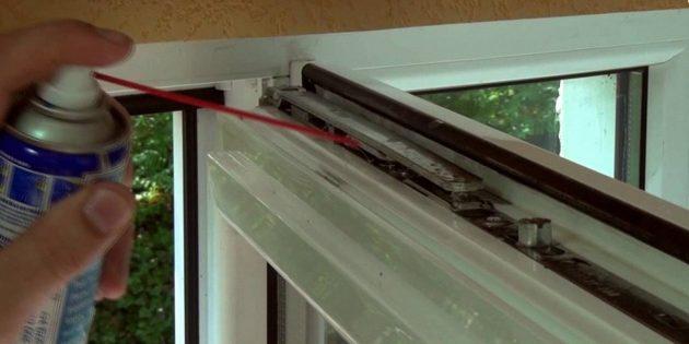 Как отрегулировать пластиковые окна: смазка