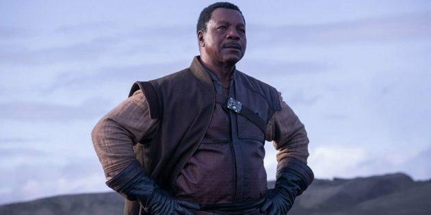 Карл Уэзерс в роли Грифа Карга. Промокадр сериала «Мандалорец»