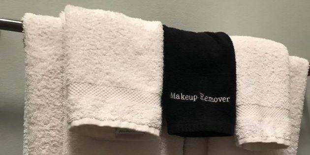 сервис отелей: полотенца для макияжа