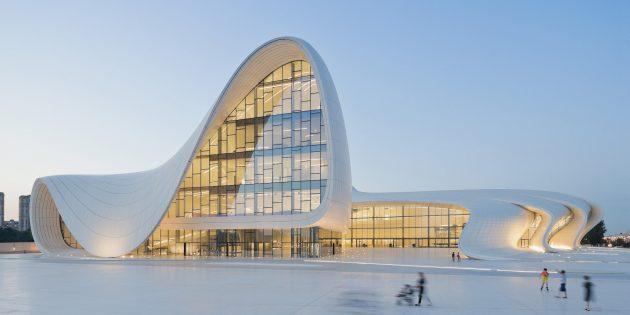 Отдых в Азербайджане: Центр Гейдара Алиева