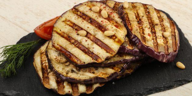Баклажаны на мангале с мёдом, чесноком и бальзамическим уксусом
