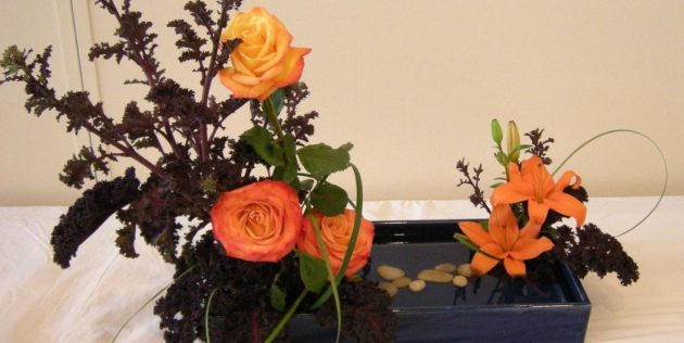 Композиция с яркими живыми цветами