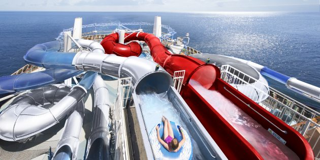 Морской круиз: на борту есть аквапарк, спа и ещё миллион развлечений