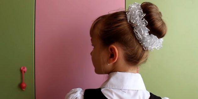 Причёски на 1сентября: простой высокий пучок