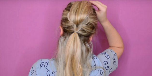 Соберите по бокам и снизу ещё часть волос и соедините резинкой вместе с висящими прядками