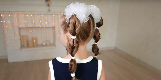 Причёски на 1сентября: высокие перекрученные хвостики с резинками