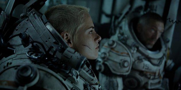 Триллер на глубине 13 км: вышел трейлер фильма «Под водой» с Кристен Стюарт и Венсаном Касселем