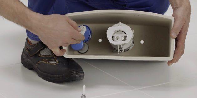 Установка унитаза: установите клапаны на свои места