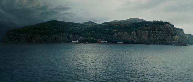 Названия фильмов, изменившие смысл в переводе: Shutter Island — «Остров проклятых»
