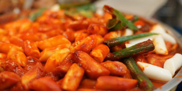 Токпокки — острые рисовые клёцки