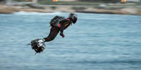Французский изобретатель пересёк Ла‑Манш на «летающей доске»