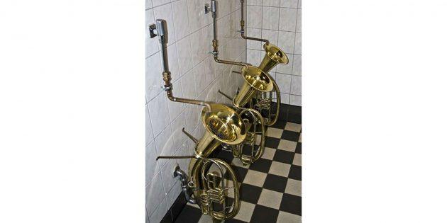 дизайн туалета: труба-писсуар