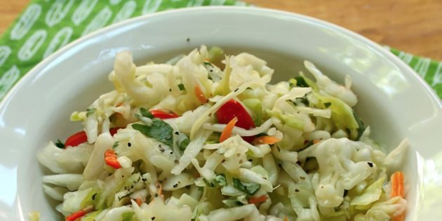 Маринованная капуста с соевым соусом, зеленью и кориандром на зиму